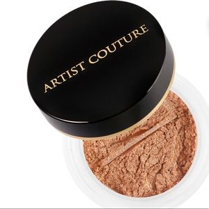 Artist Couture Diamond Glow Powder in CONCEITED